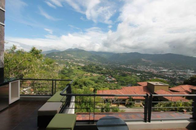 We sell penthouses and Santa Ana and Escazu with magnificent views