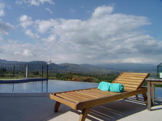 Use your retirement fund to purchase a luxury home in Atenas