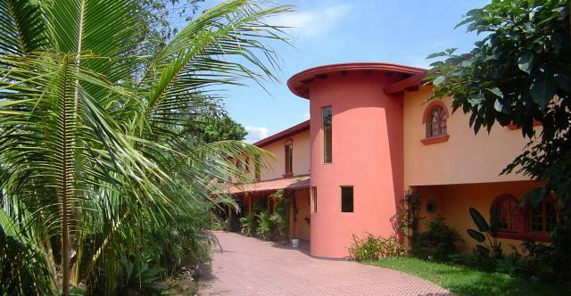 Helpful links to relocate and retire successfully in costa for Mansions in costa rica