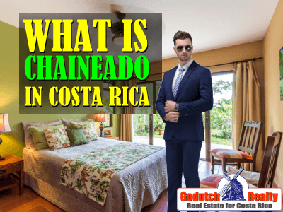 What does chaineado mean in Costa Rica?