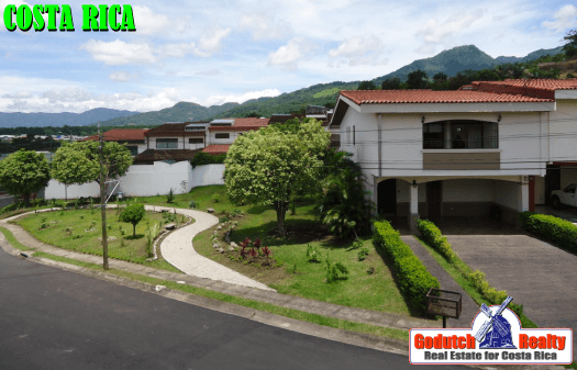7 Reasons we live in a gated community or condominium in Costa Rica